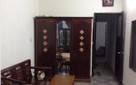 Cho thuê căn hộ tầng 2 nhà mặt phố Quốc Tử Giám 60m2 thoáng mát đủ đồ giá 6,5tr/th - 0988296228