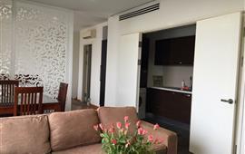 Cho thuê gấp căn hộ chung cư số 6 Đội Nhân, quận Ba Đình, 60m2, 2PN, nội thất đầy đủ, 8 tr/th