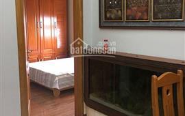 Cho thuê căn hộ chung cư 137 Nguyễn Ngọc Vũ 2 phòng ngủ đầy đủ đồ vào ở ngay. Giá: 11tr/th
